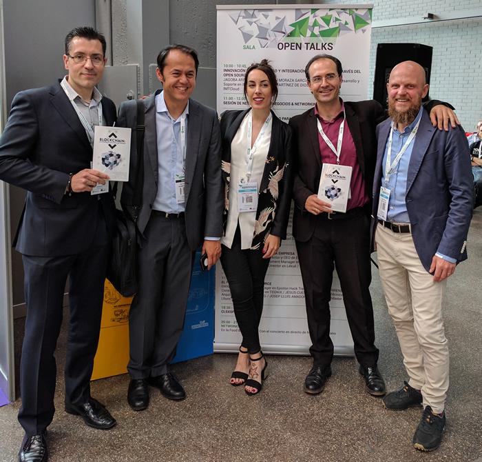 """Los co-autores del libro Blockchain que participaron en la mesa Redonda: """"Blockchain: Una oportunidad para la Sociedad, La economía y la Industria""""."""