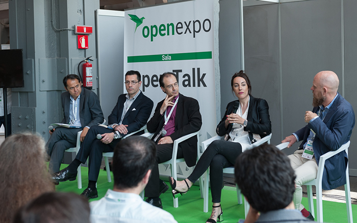 Los participantes en la Mesa Redonda proporcionaron cada uno diferentes perspectivas de las oportunidades que ofrece Blockchain para su Industria.
